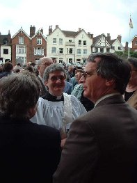 Lyndesy and friends outside Lichfield Cathedral2